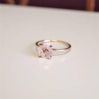 Anel semijoia Cristal rosa solitário banhado a ouro