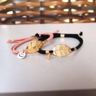 Kit pulseiras mãe e filha folha camurça rosa e black