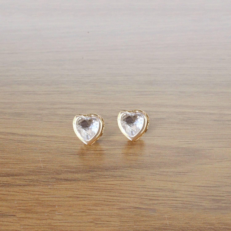 Brinco semijoia Cristal coração (Opção: Dourado e ródio)