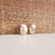 Brinco semijoia Retangular liso banhado a ouro (Opção: banho ouro e banho ródio).