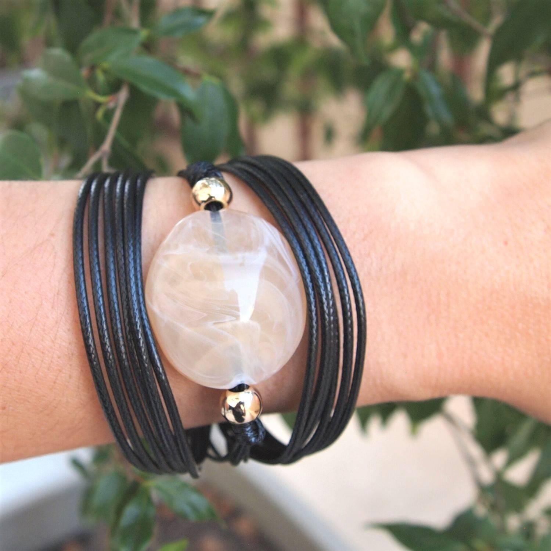 Pulseira  semijoia Egípcia resina oval marmorizada cordão bl