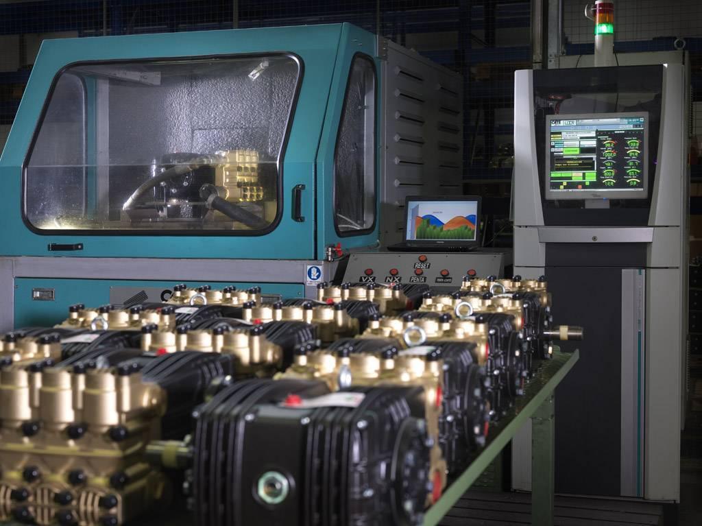 BOMBA ALTA PRESSÃO TRIPLEX UDOR CKD5540 280-300 BAR! 20 LITROS MINUTO! 1750 RPM! EIXO 24mm - Mundo Azul