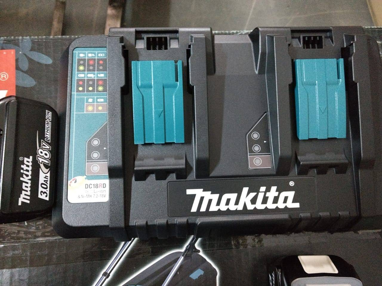 Cortador Grama 2 Baterias+Carregador18V Dlm380Zp Makita 110V - BSS Maquinas