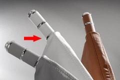 Manopla de Freio de Mão Isotta 478 W - Branco c/ Cromado, acompanha coifa em couro branco.