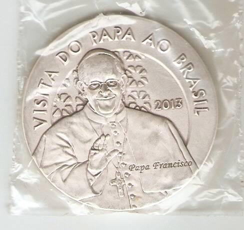 Medalha de Prata Comemorativa a Visita do Papa Francisco ao evento da JMJ no Rio de Janeiro - Numismática Vieira