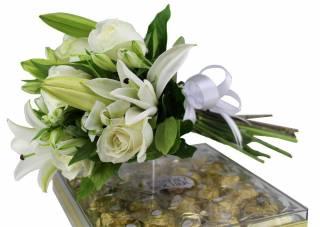 Buquê  Mix Flores com Ferrero | Florisbella Floricultura