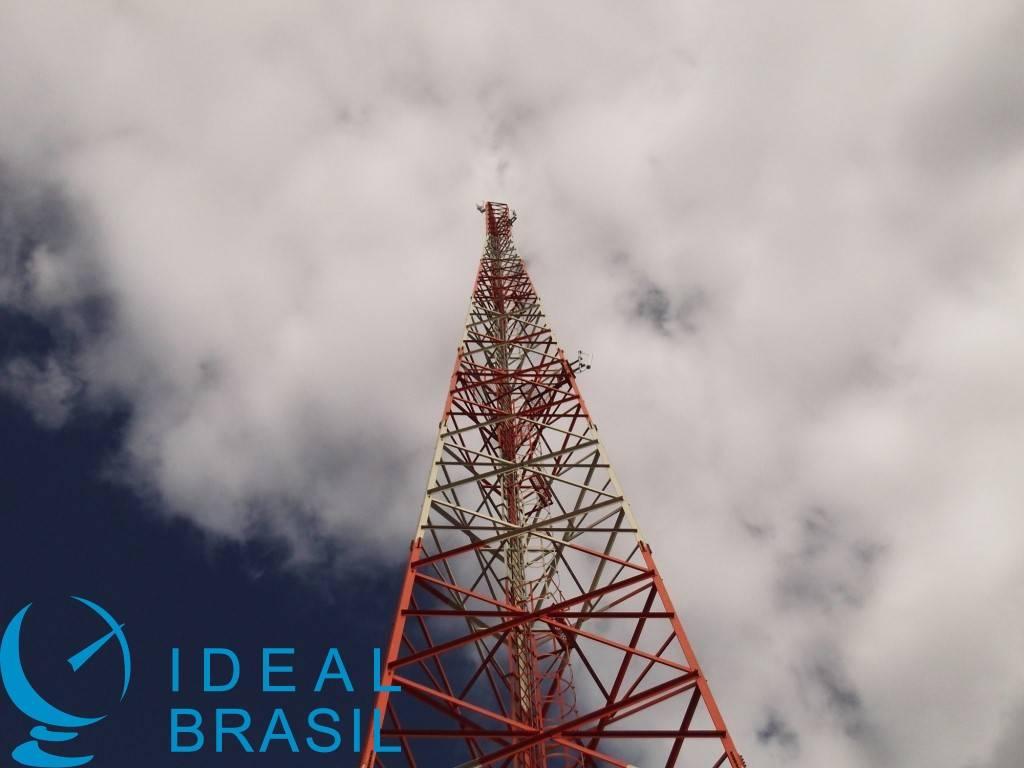 Torre autoportante Triangular parafusada - 80m - AEV 6M²