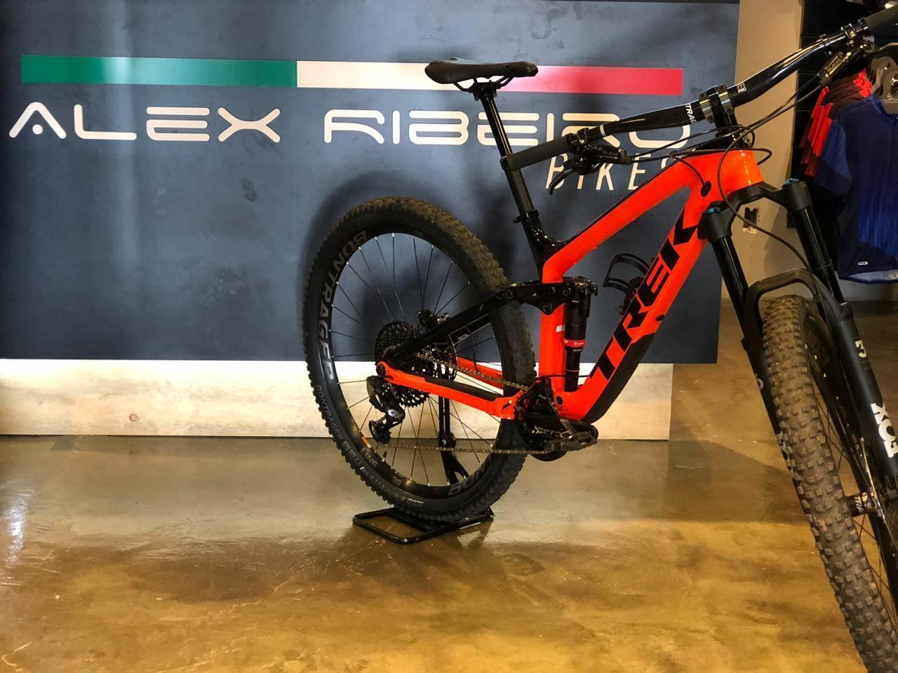 Trek Slash 9.8 - Alex Ribeiro Bikes