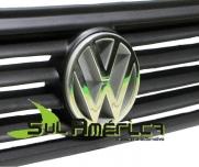 EMBLEMA DE GRADE VW SANTANA 91/98 MOD. ORIGINAL
