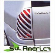 MASCARA NEGRA DE LANTERNA GM CORSA HATCH 00/02 4P.