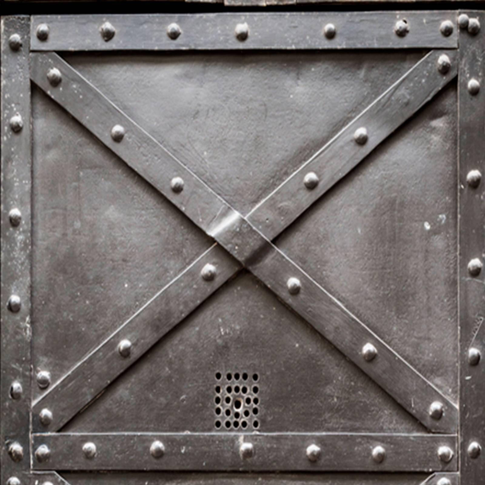 Adesivo Porta de Ferro Envelhecida Preta imagem 2