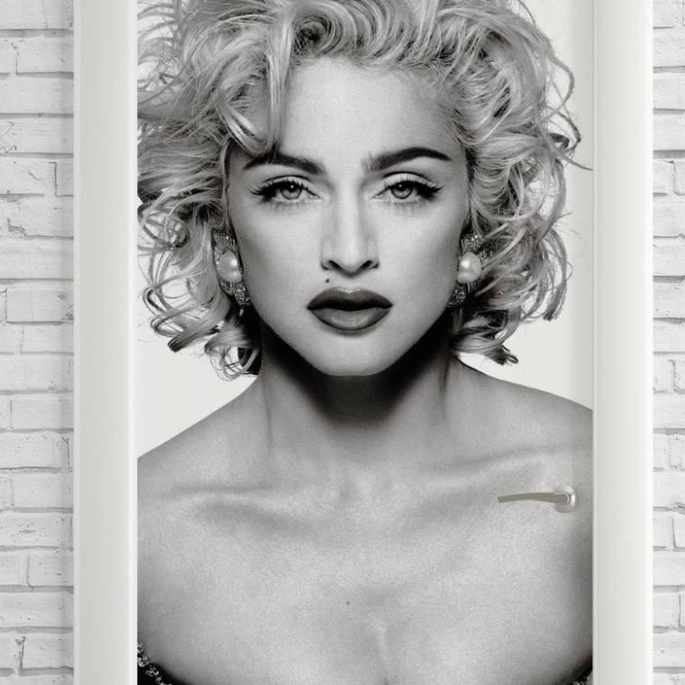 Adesivo Para Porta Madonna imagem 2