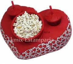 Almofada porta pipoca formato de Coração, personalizada como você desejar (Pedido mínimo 20 pçs). | kmix estamparia