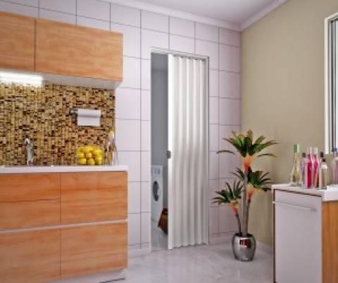Porta Sanfonada De Pvc plasbil 2,10 x 90.cm Branco - Casa Sul Materiais e Acabamento