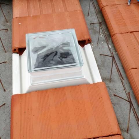 Suporte Bloco de Vidro Laje Solar 30.cm  - Casa Sul Materiais e Acabamento