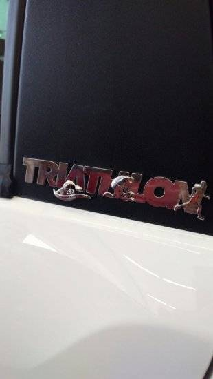 Emblema cromado 3d Ictus Triathlon adesivo imantado p/ carro - BIKE ALLA CARTE