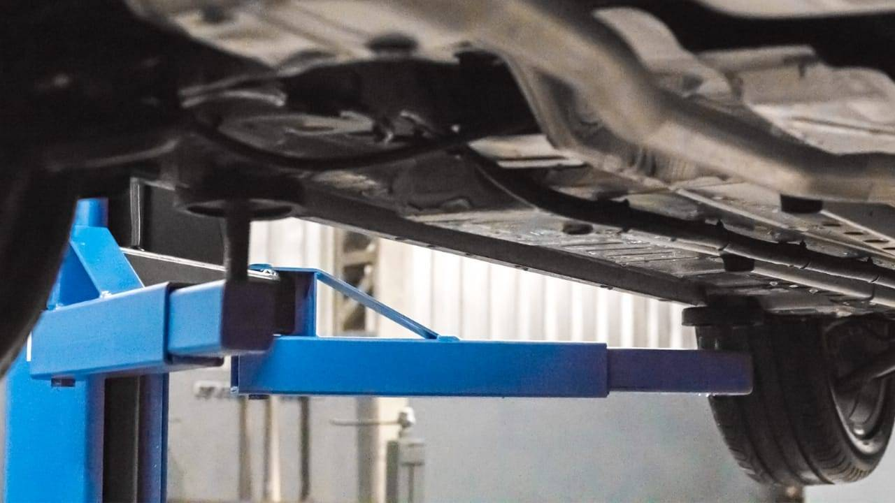 Elevador Automotivo Azul Capacidade 2500 kg 220V Trifásico - CASA DO FRENTISTA
