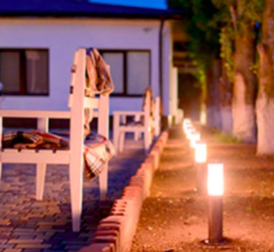 Poste Redondo LED 6W 3000K 4024-W - Luz Aqui