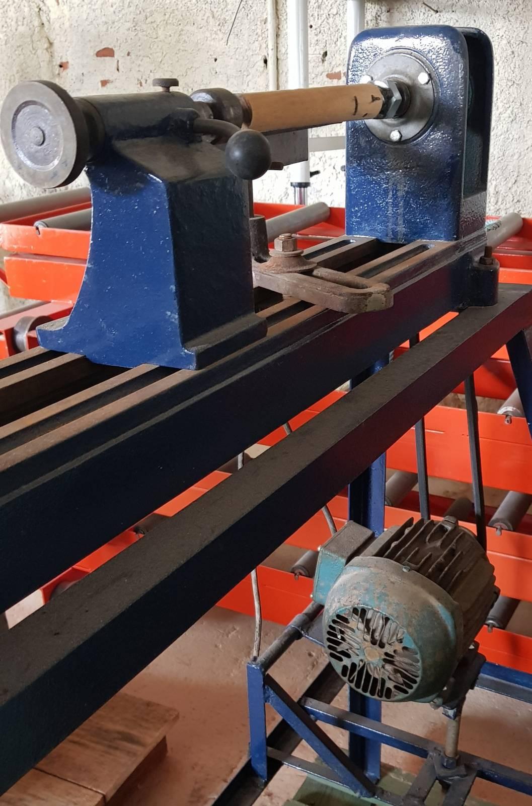 Torno para madeira manual Acerbi - Kimaquinas