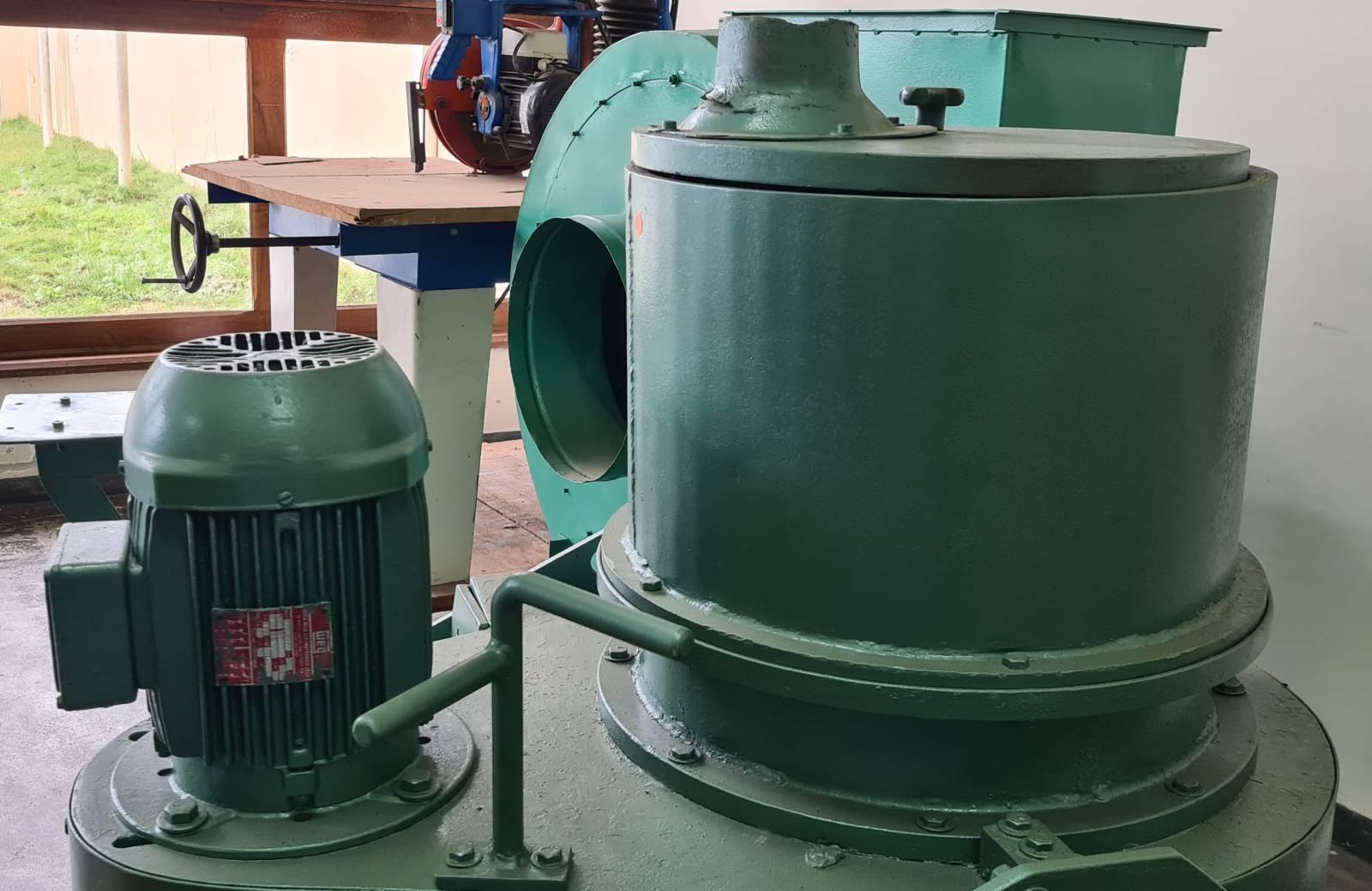 Lixadeira de tambor marca Sirma - Kimaq