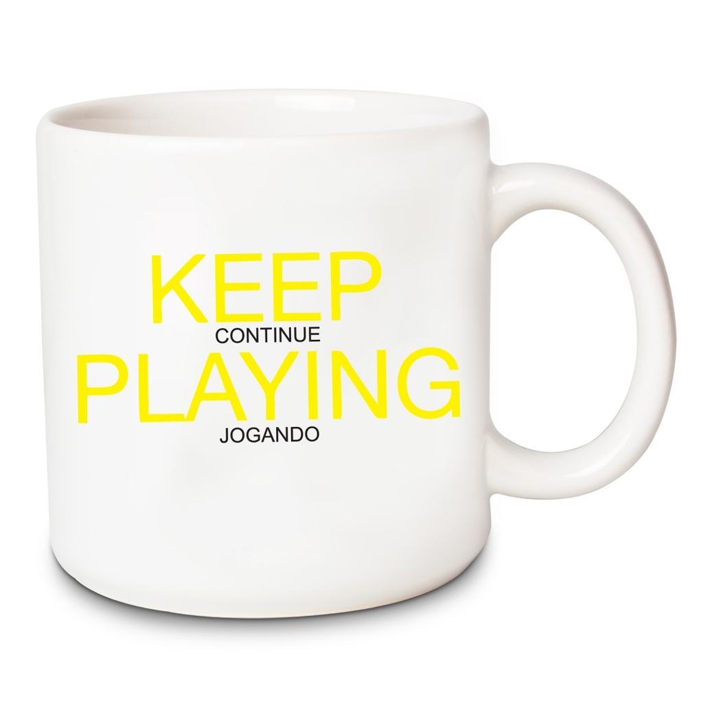 Caneca Keep Playing 400ml com chaveiro - Vaca Design - Bakar-Bakar