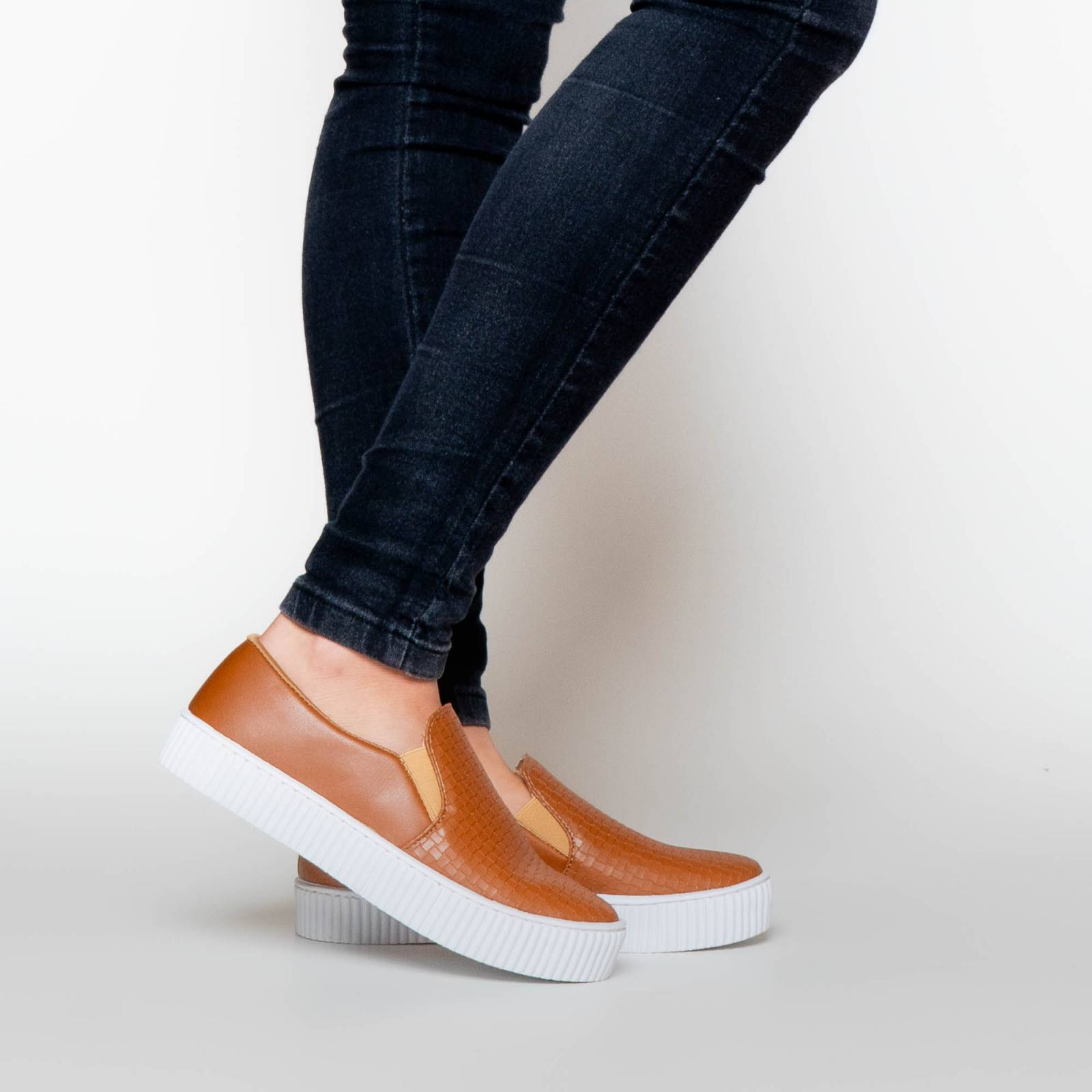 Slip-On Tresse Caramelo - LAUS & CO