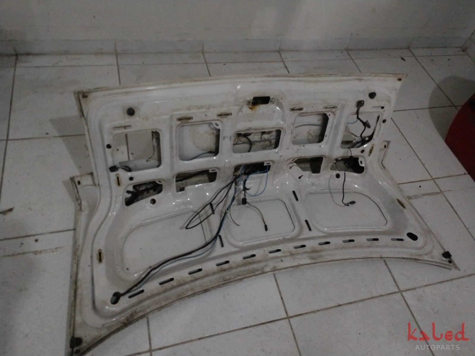 Tampa traseira / porta malas VW Passat Vr6 Sedan 93 a 96 - Kaled Auto Parts