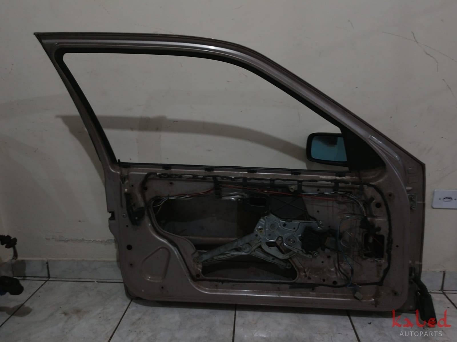 Porta dianteira esquerda BMW série 3 92 a 98 - Kaled Auto Parts