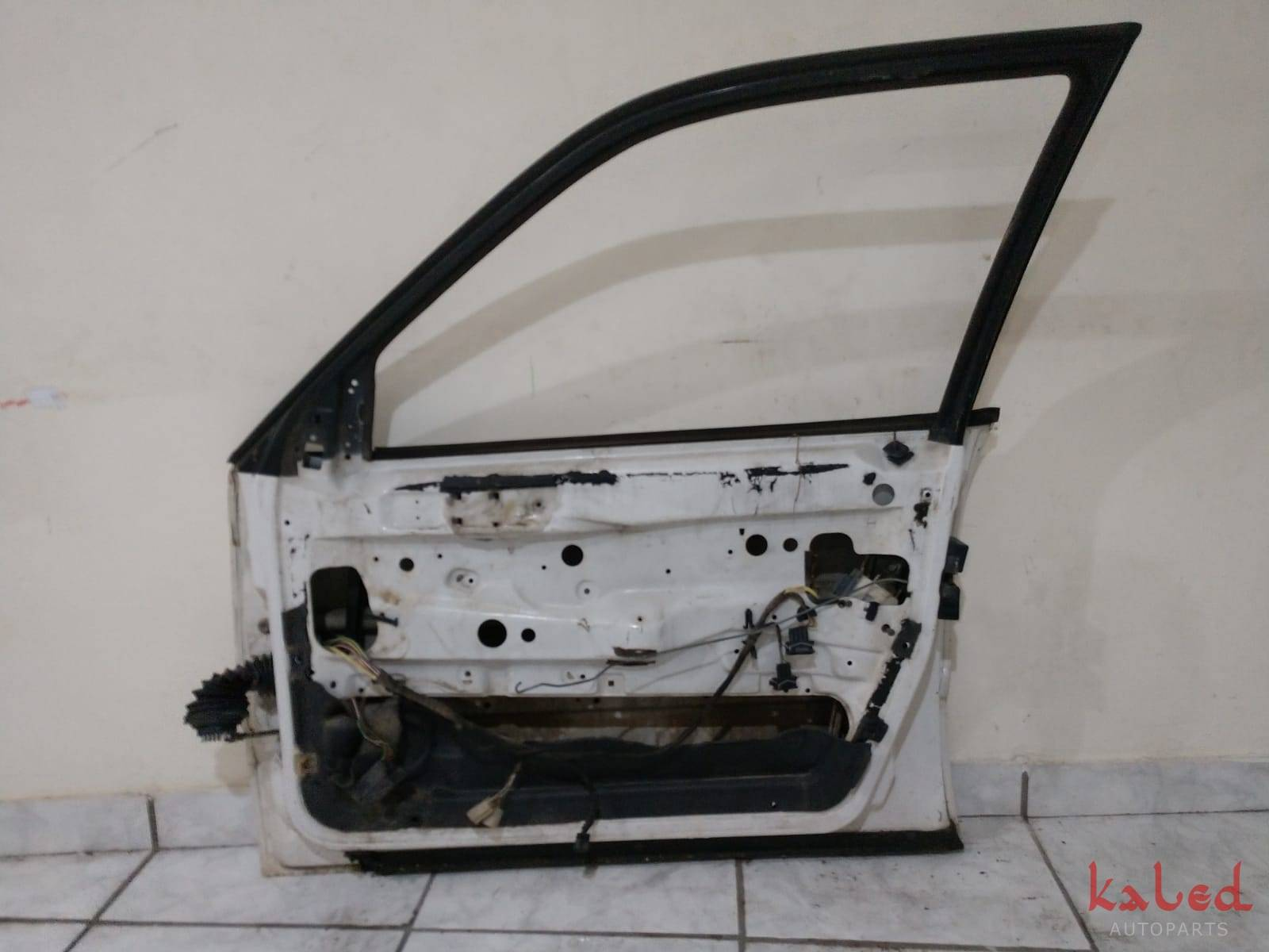Porta dianteira direita VW Passat 93 a 96 - Kaled Auto Parts