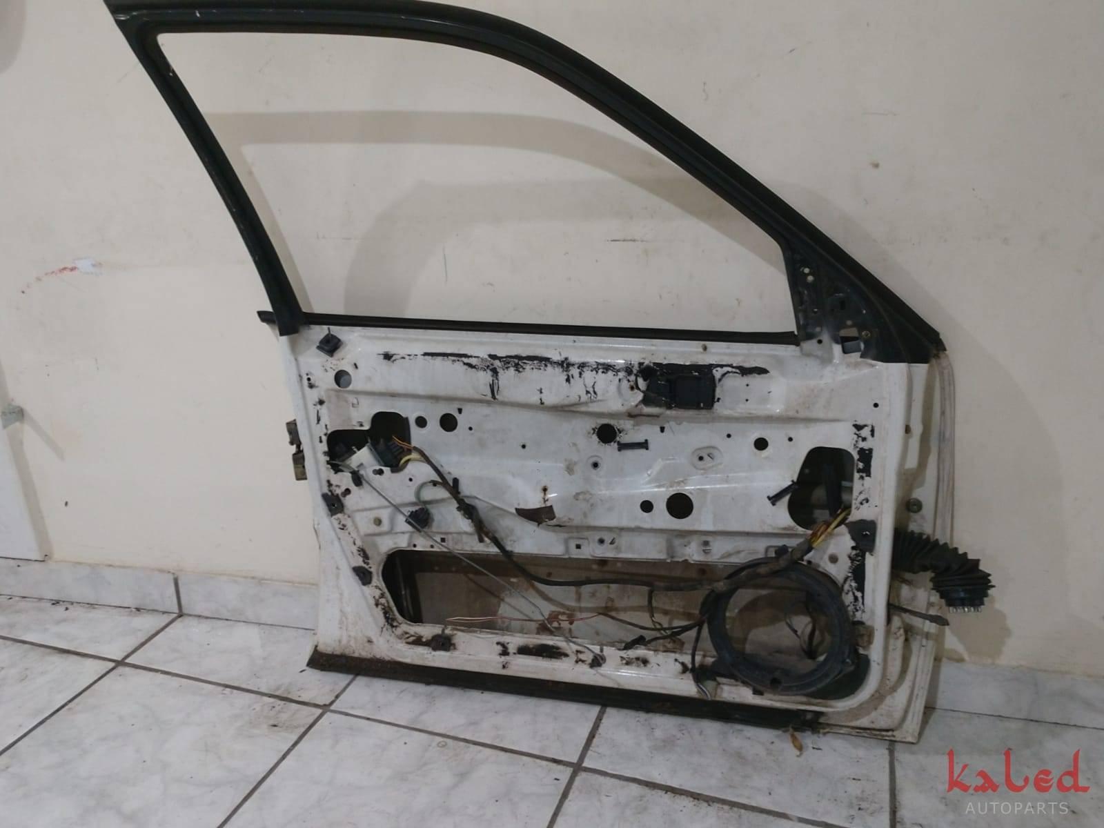 Porta dianteira esquerda VW Passat 93 a 96 - Kaled Auto Parts