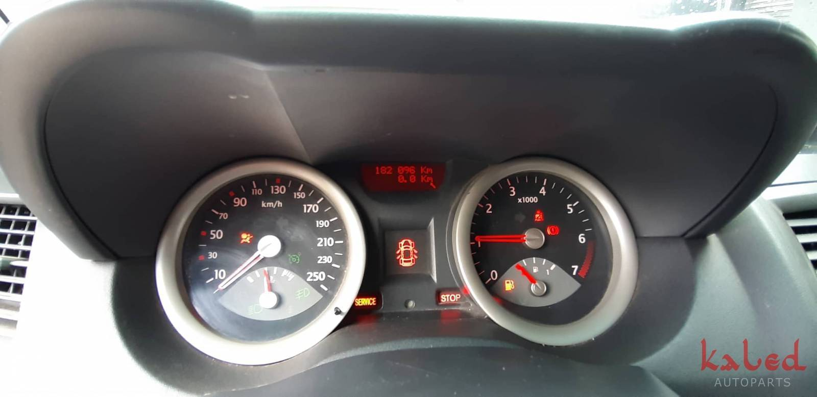 Renault Megane 2008 2.0 16v sucata para venda de peças - Kaled Auto Parts