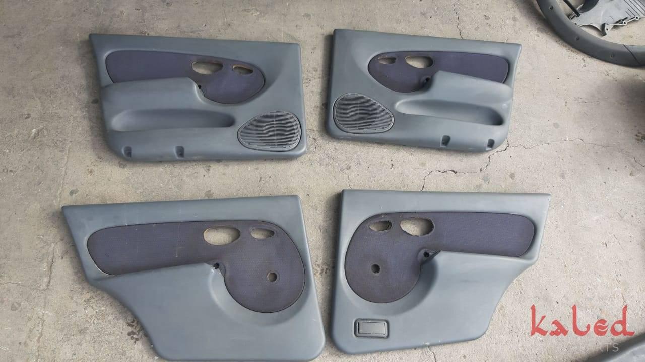Jogo de forros de porta do Fiat Palio 1.6 16v 1996 - Kaled Auto Parts