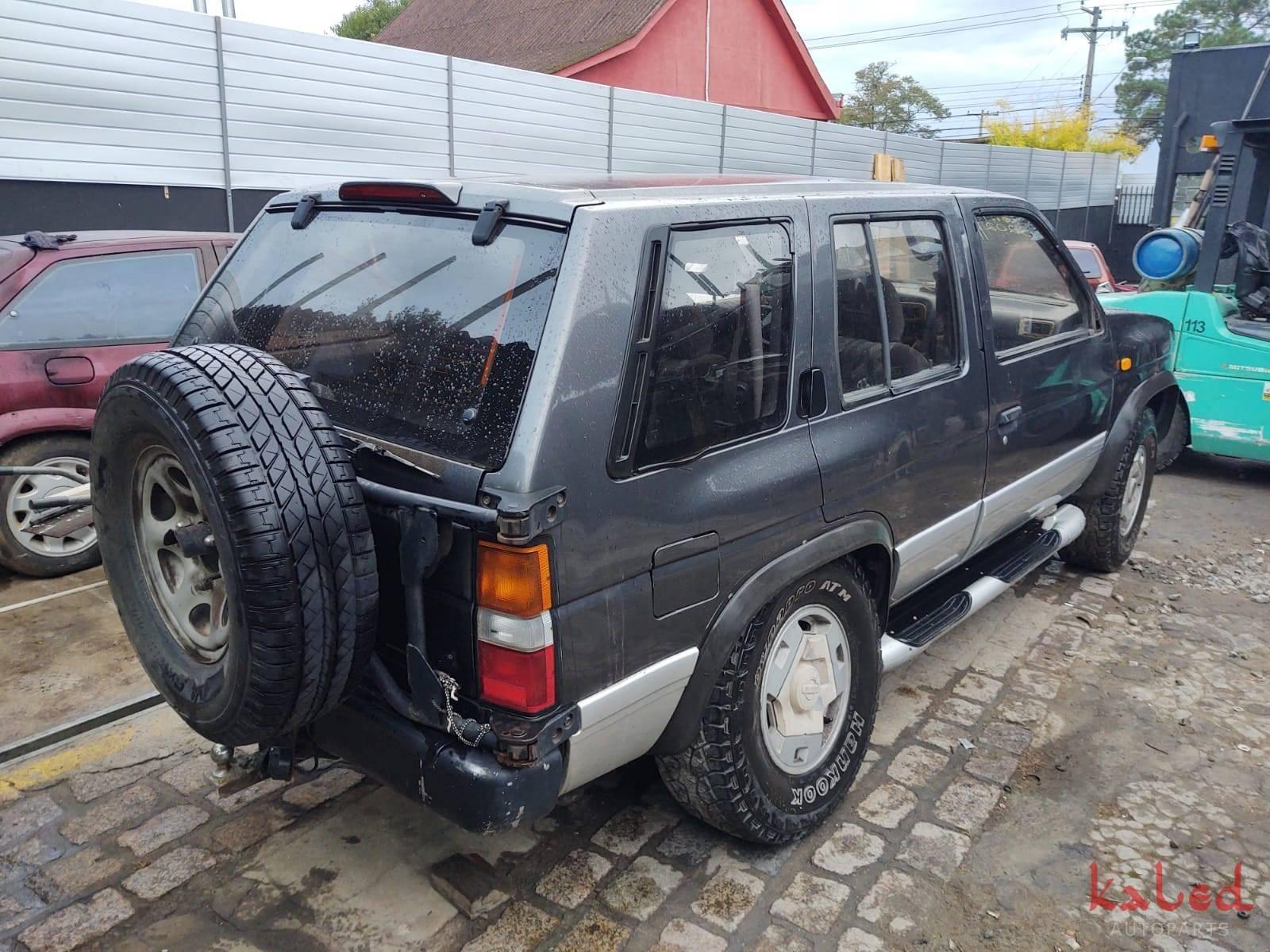 Sucata Nissan Pathfinder Diesel TD27 4x4 1993 - Kaled Auto Parts