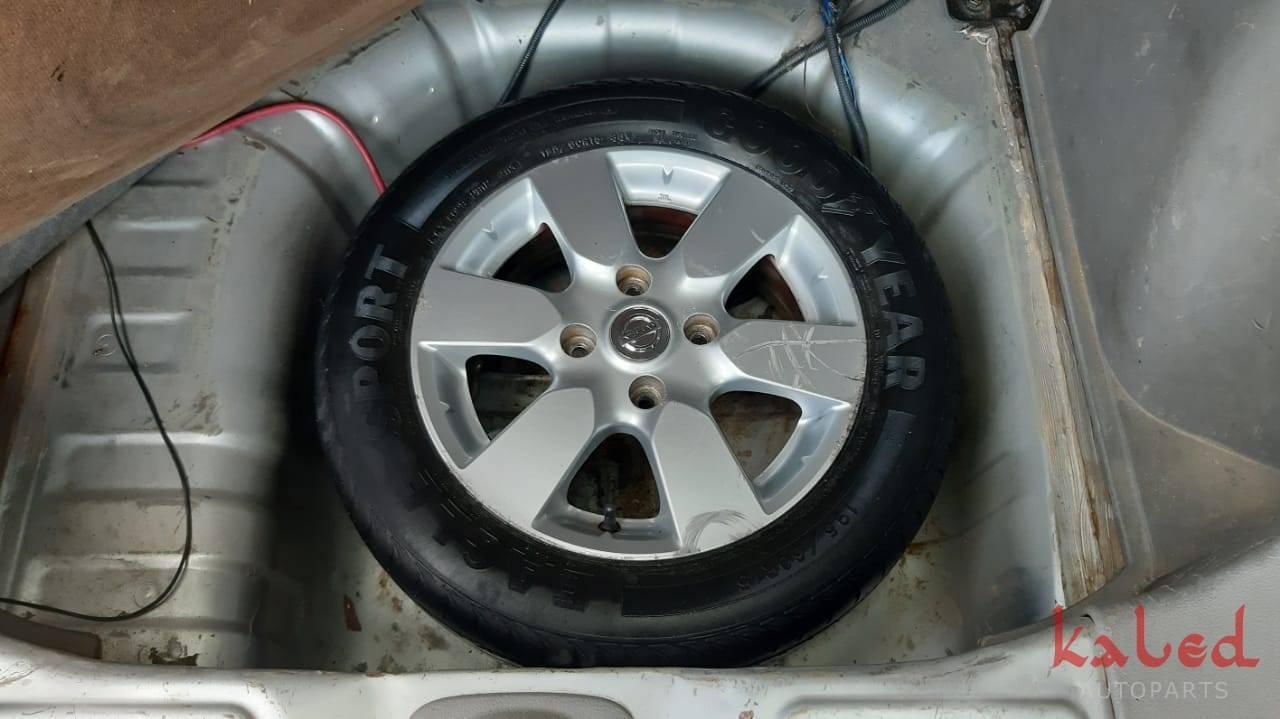 Sucata Nissan Livina 1.6 16v mecânico 2010 - Kaled Auto Parts