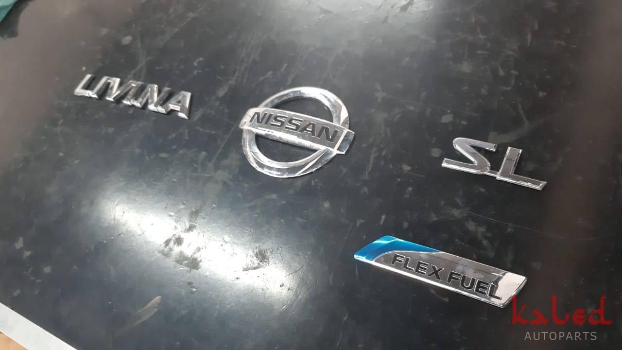 Conjunto emblemas da tampa do porta malas do Nissan Livina - Kaled Auto Parts