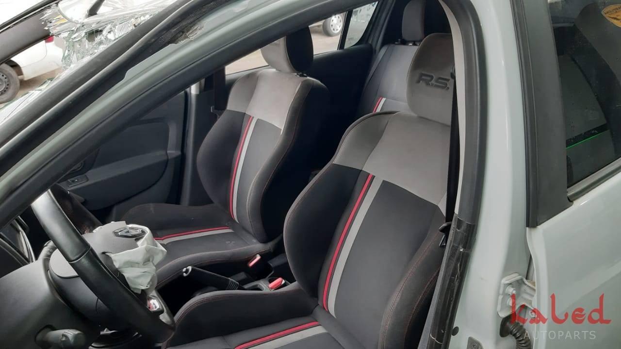 Sucata Renault Sandero RS 2016 venda de peças - Kaled Auto Parts