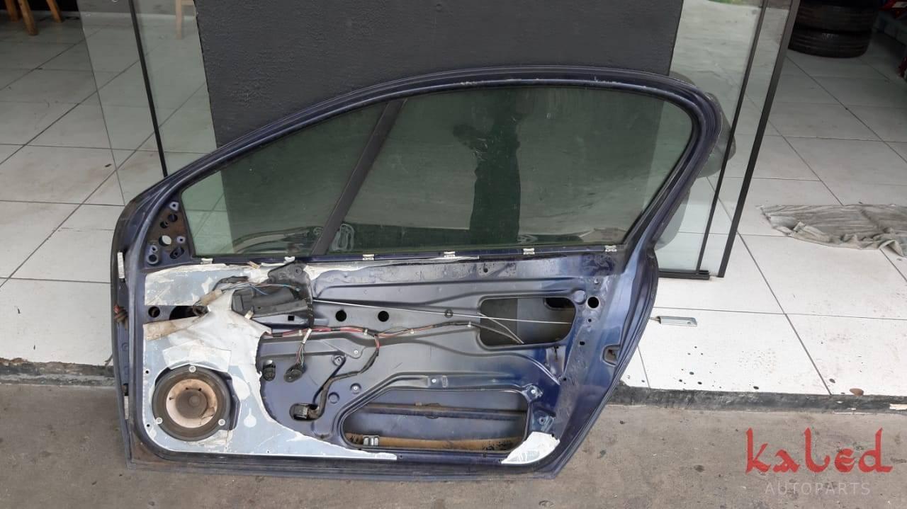 Porta lado direito GM Tigra 1997 a 1999 - Kaled Auto Parts