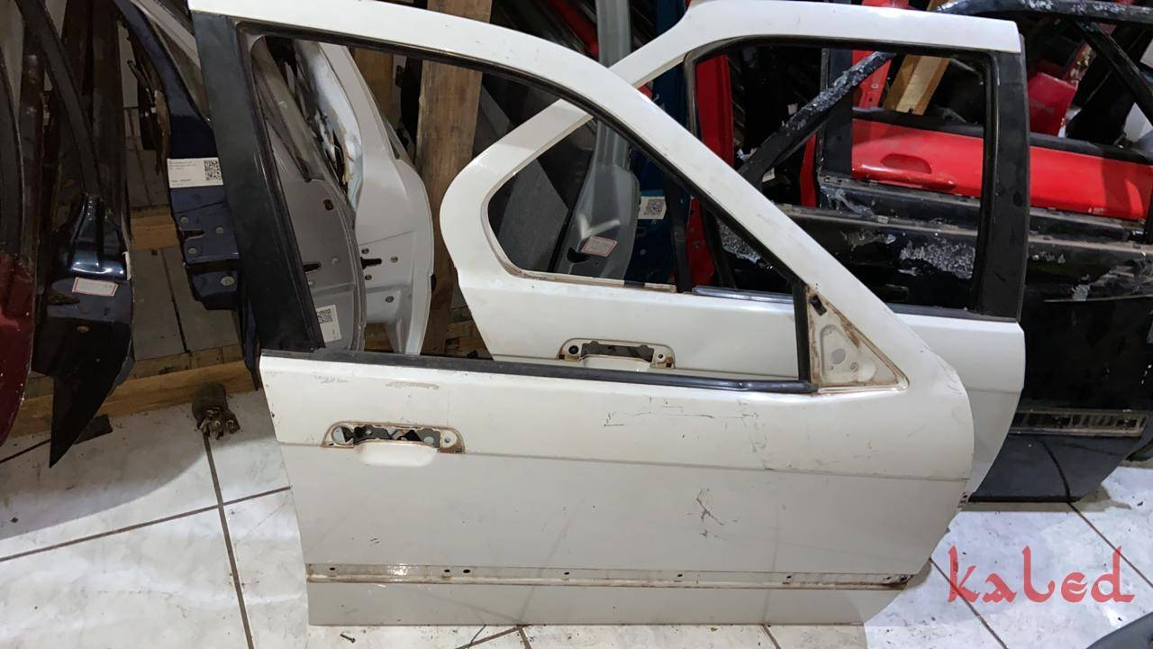 Porta dianteira direita BMW E36 1992 a 1997 325i - Kaled Auto Parts