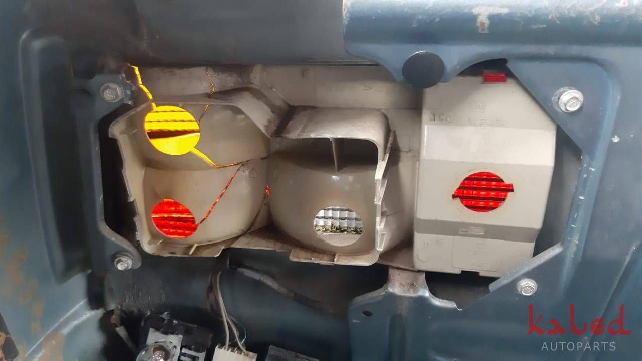 Lanterna traseira direita GM Monza Classic C/ detalhe Leia o anúncio - Kaled Auto Parts