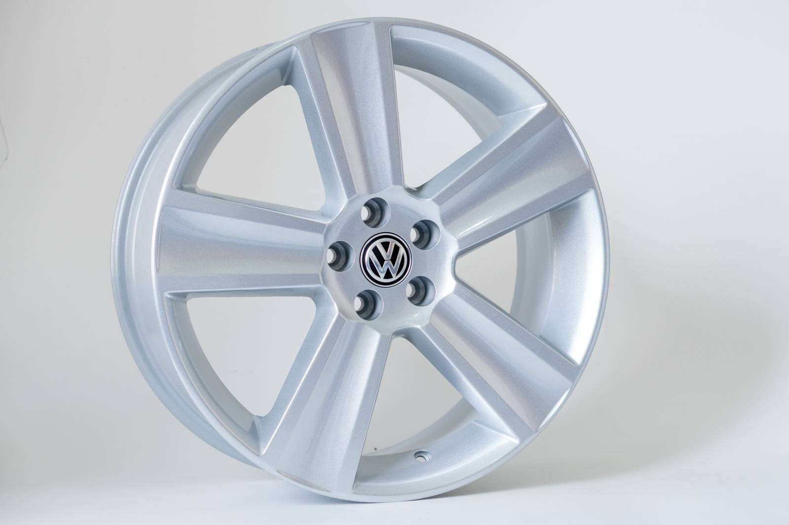 Jogo de 04 Rodas VW Saveiro Cross aro 15 5x100 KR R7 Prata