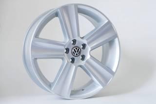 Jogo de 04 Rodas VW Saveiro Cross aro 18 5x100 KR R7 Prata