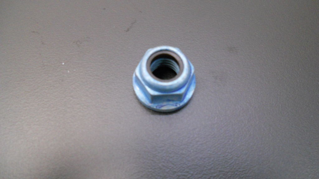 Porca rosca esquerda Husqvarna 236R/143R-II/343FR