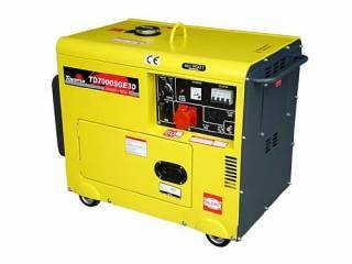 Gerador Diesel P. elétrica Trifásico 220V TD7000SGE3D Toyama