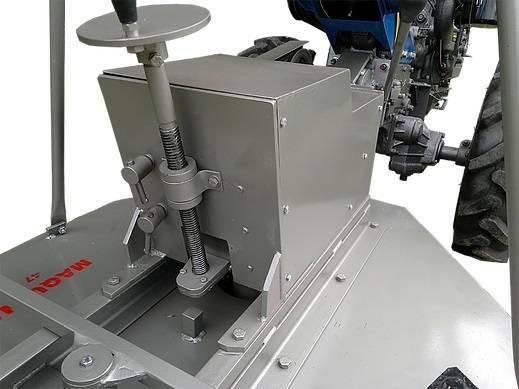 Aparador de Grama Traseiro AGT 900 Para Microtratores - Hs Floresta e Jardim